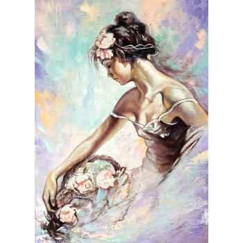 Πορτρέτο κοπέλας με μπουκέτο λουλούδια στο χέρι