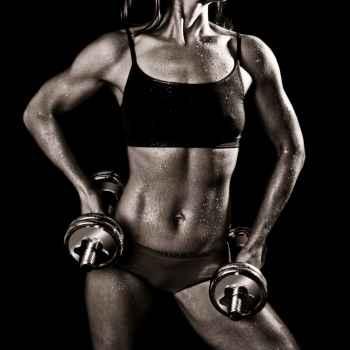 Αθλητικό γυναικείο σώμα