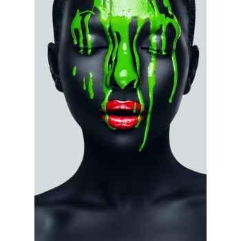 Αφηρημένο μακιγιάζ σε γυναικείο πρόσωπο