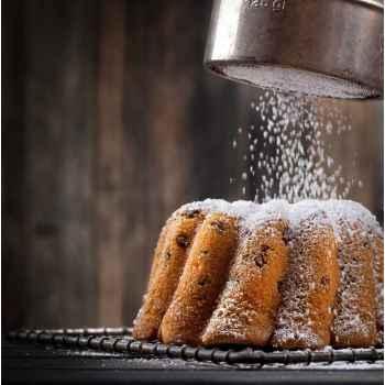 Κέικ με ζάχαρη άχνη