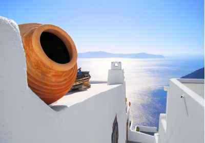 Θέα στη θάλασσα στη Σαντορίνη
