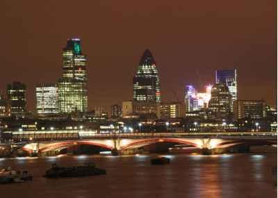 Η πόλη του Λονδίνου την νύχτα