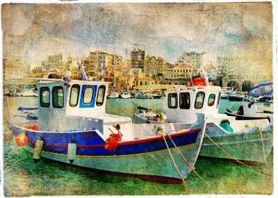 Μικρό λιμάνι ελληνικού νησιού